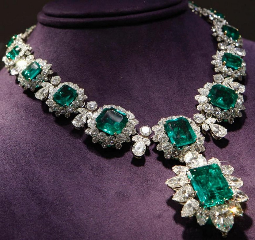 Five Amazing Luxury Jewelry Pieces That Will Leave You Breathless luxury jewelry Five Amazing Luxury Jewelry Pieces That Will Leave You Breathless Five Amazing Luxury Jewelry Pieces That Will Leave You Breathless 3