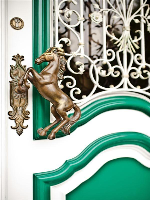 Five Inventive Door Handles You'll Go Crazy For! door handles Five Inventive Door Handles You'll Go Crazy For! Five Inventive Door Handles Youll Go Crazy For 1