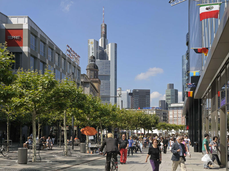 Top Cities, Top Inspirations A Frankfurt Guide frankfurt guide Top Cities, Top Inspirations: A Frankfurt Guide Top Cities Top Inspirations A Frankfurt Guide 4