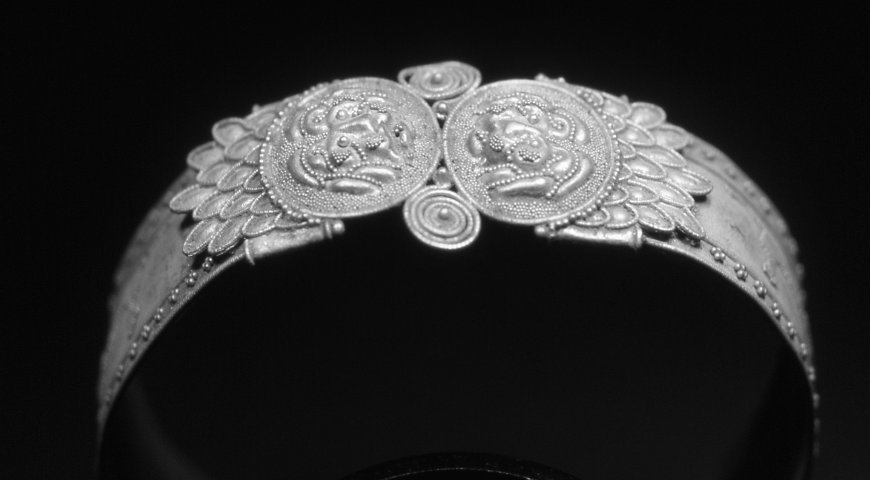 The Amazing Refinement of the Granulation Technique in Jewellery granulation technique The Amazing Refinement of the Granulation Technique in Jewellery bracciale1