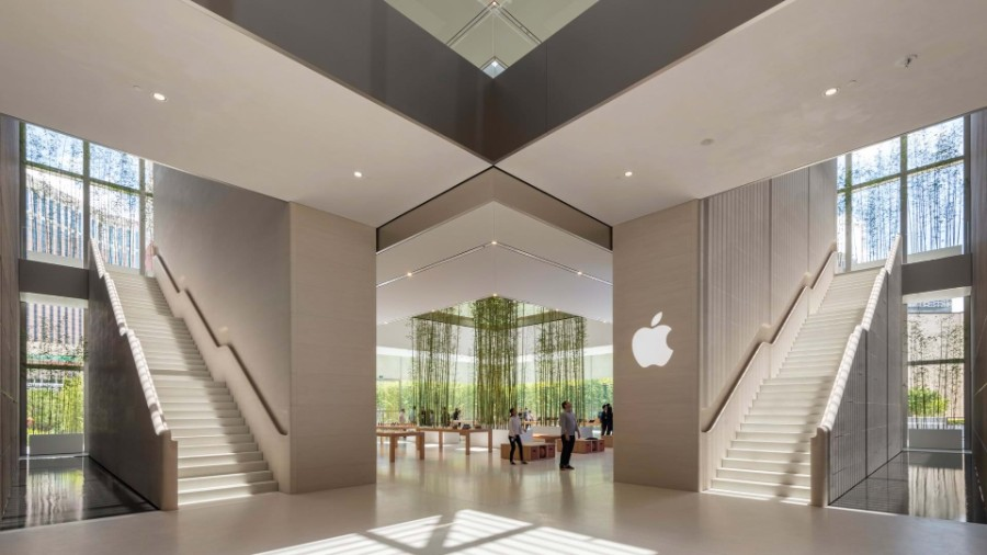 This Apple Store in Macau Would Make Steve Jobs Proud! Apple Store This Apple Store in Macau Would Make Steve Jobs Proud! Inside Apple Store Atrium in Macau by Foster Partners 3