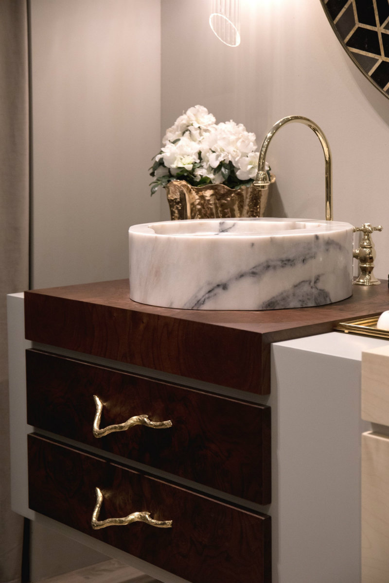 Can You Handle This Trend? - Spring Bathroom Trends mix metals Can You Handle This Trend? – Bathrooms With Mix Metals Bathroom Trends