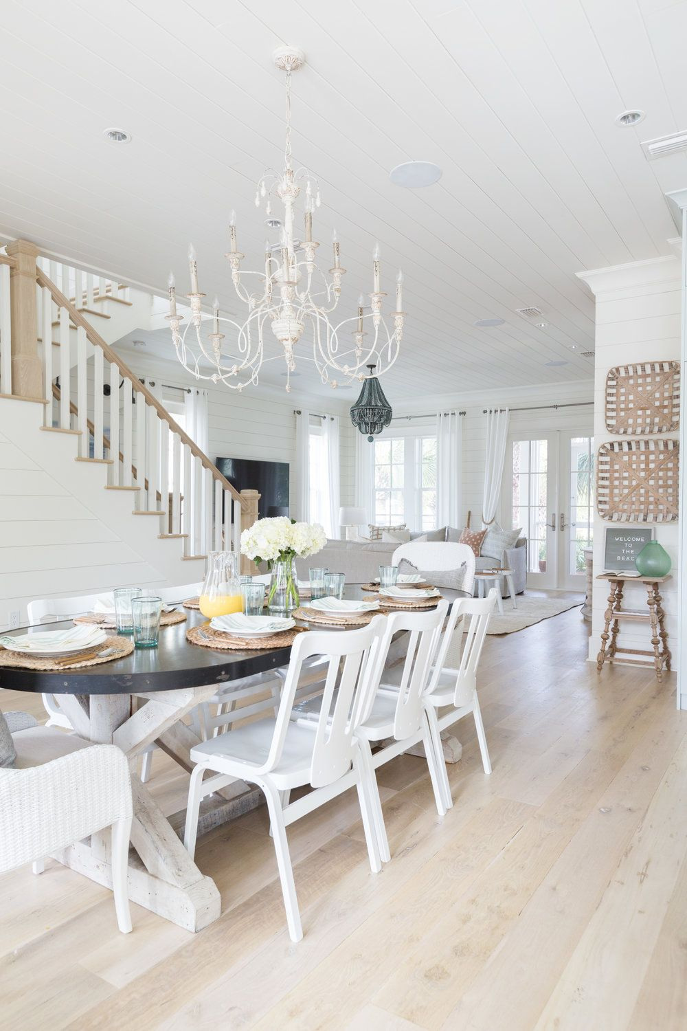 beach houses Dream Beach Houses To Drive Your Decor Inspiration Beach House Dining Rooms Youll Want ASAP 1