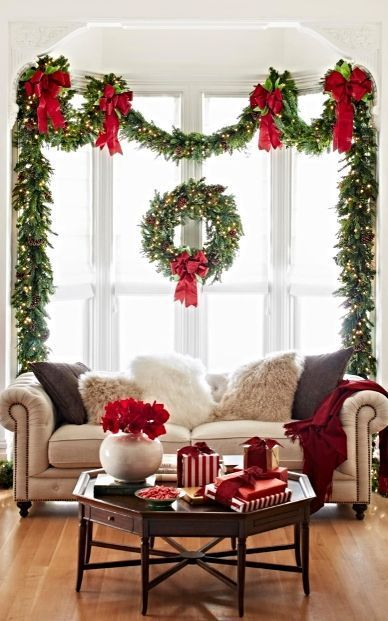 The Best Christmas Window Decorations christmas window decorations The Best Christmas Window Decorations 6deaab6f5d62fe77230659cb87e2d2c5