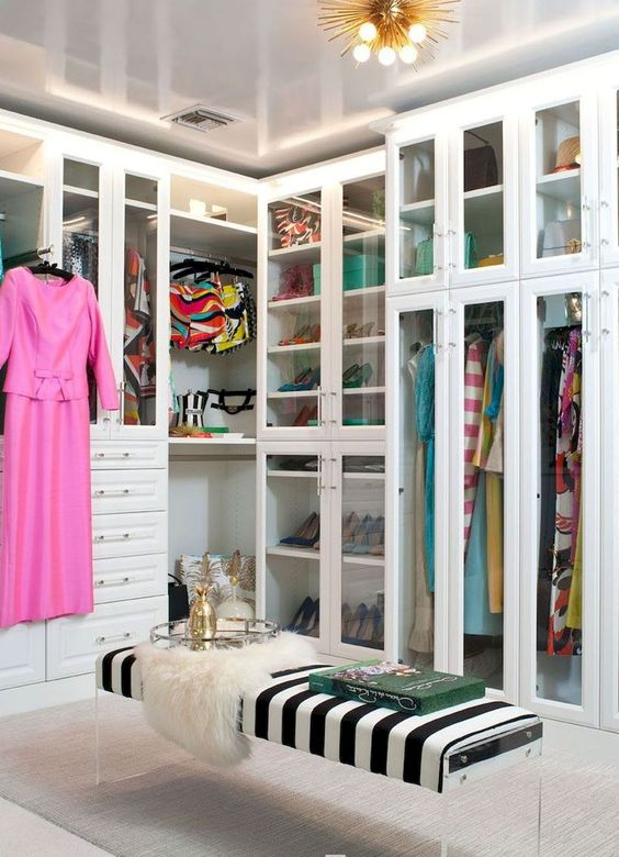 Tips To Creating A Seamless Walk-in Closet Design walk-in closet design Tips To Creating A Seamless Walk-in Closet Design 8f83a79dfed63132f5ca8b0e752d7850