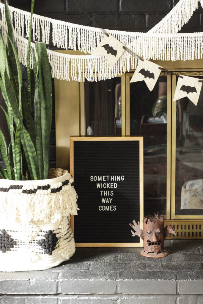 Pull Off A Sophisticated Look With These Halloween Decoration Ideas halloween decoration ideas Pull Off A Sophisticated Look With These Halloween Decoration Ideas Halloween Letterboard Idea 683x1024